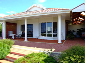 Close Encounters Bed and Breakfast - Accommodation Resorts