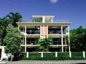 Cairns Beachfront Apartment - Accommodation Resorts