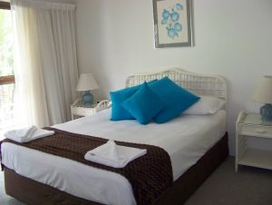Old Burleigh Court Holiday Apartments - Accommodation Resorts