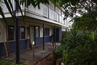 Moffat Beach Pet Friendly Holiday House - Accommodation Resorts