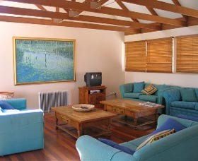 Kent Gardens Holiday House - Accommodation Resorts