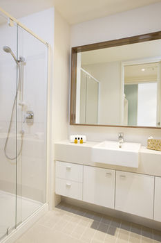 Melbourne Short Stay Apartments on Whiteman - Accommodation Resorts