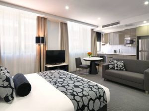 Meriton Serviced Apartments - North Ryde - Accommodation Resorts