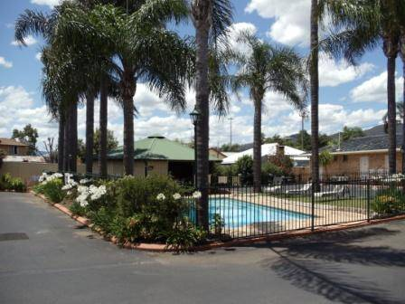 Town  Country Motor Inn Tamworth - Accommodation Resorts