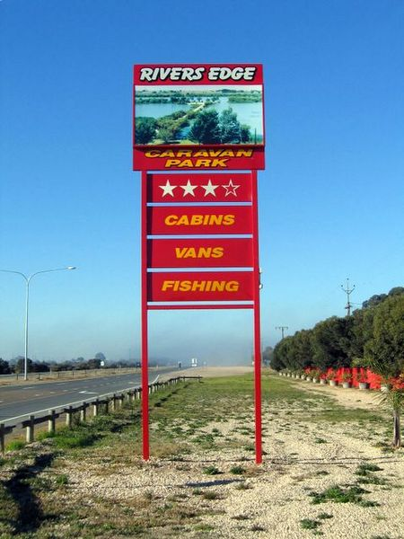 Rivers Edge Caravan Park - Accommodation Resorts