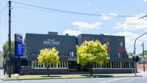 Adelaide Royal Coach - Accommodation Resorts