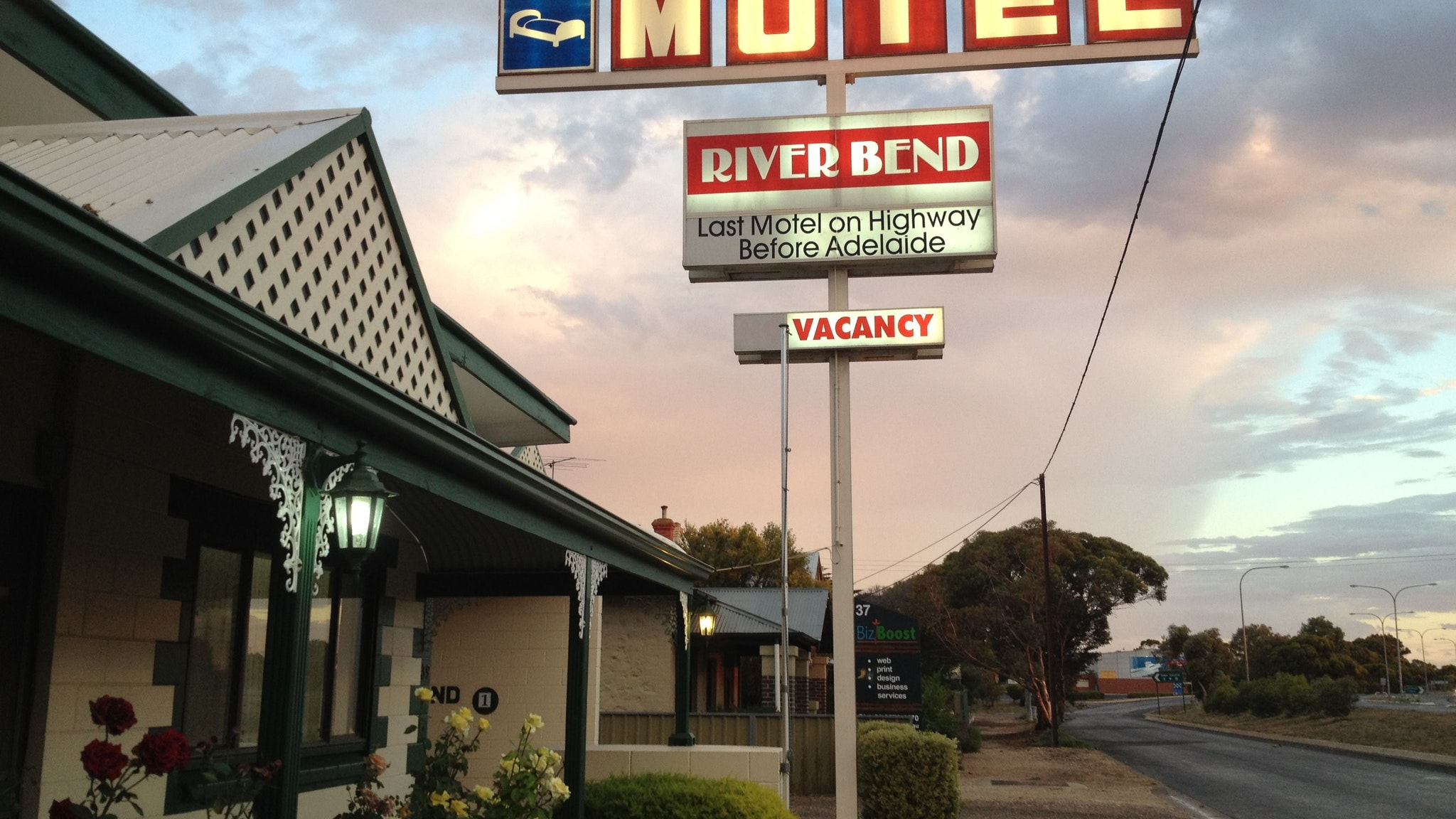 Motel Riverbend - Accommodation Resorts