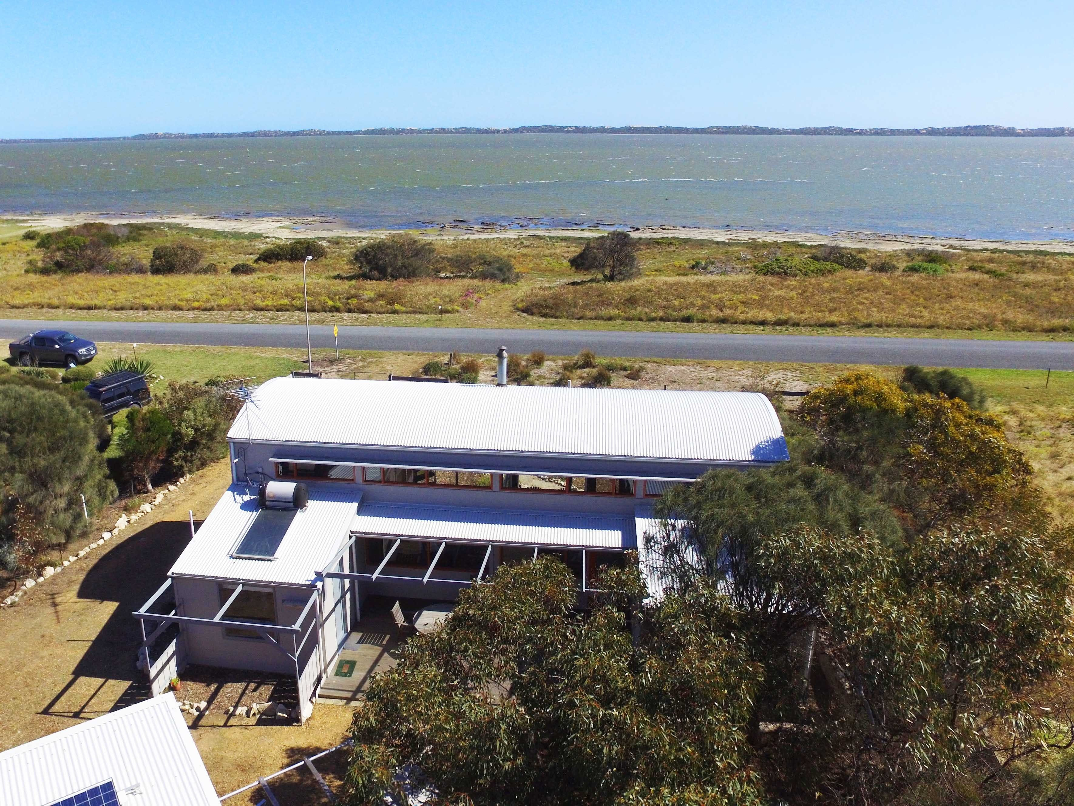 Coorong Aurora - Breathtaking Waterfront Escape - Accommodation Resorts