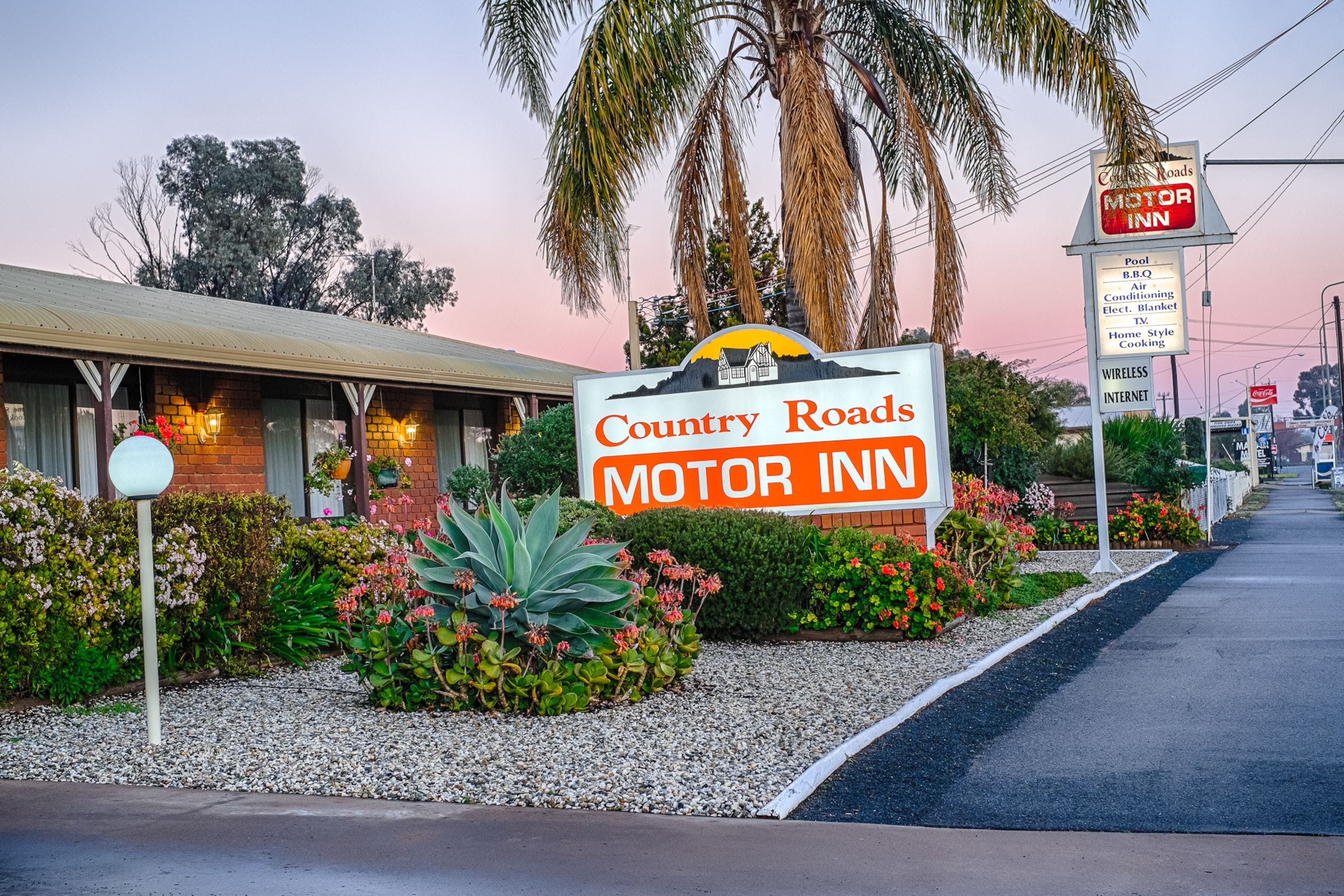 Country Roads Motor Inn - Accommodation Resorts