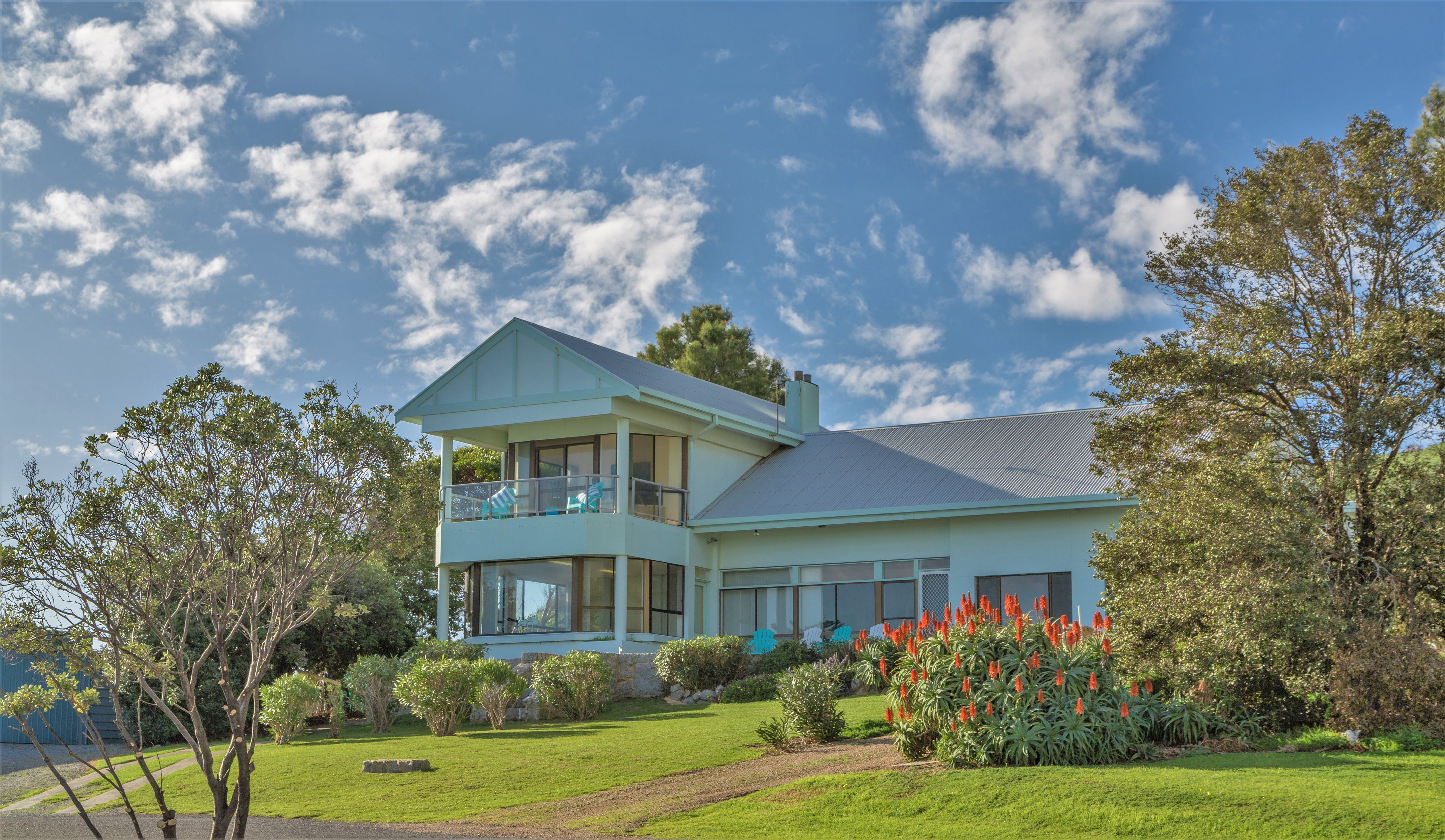 King of North Bay - Accommodation Resorts