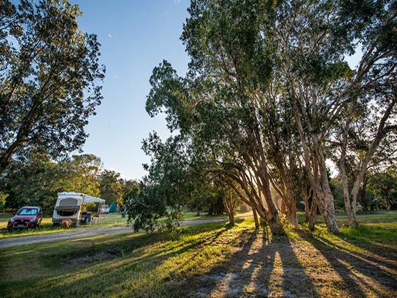 Delicate campground - Accommodation Resorts