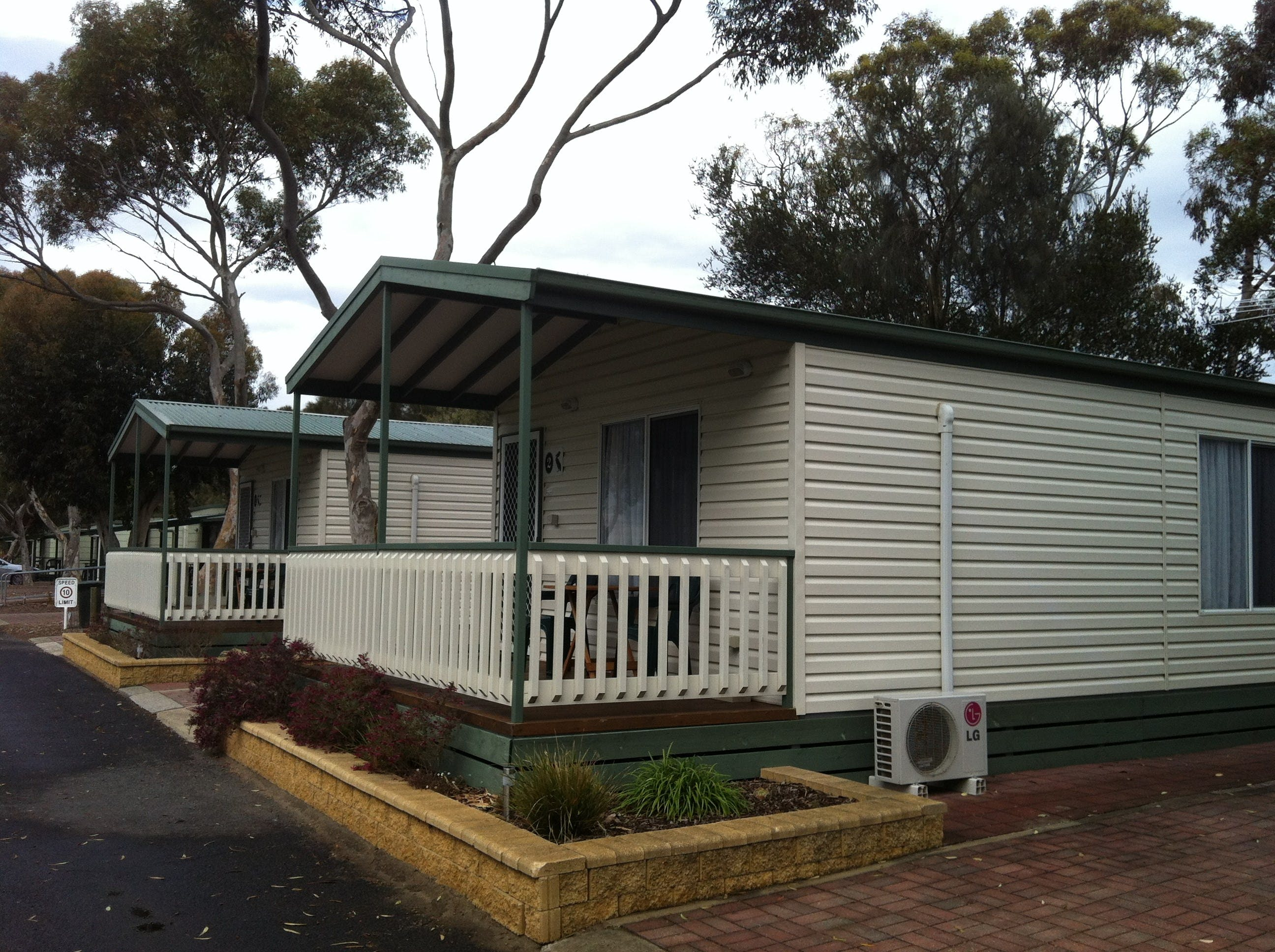 Lake Albert Caravan Park Meningie SA - Accommodation Resorts