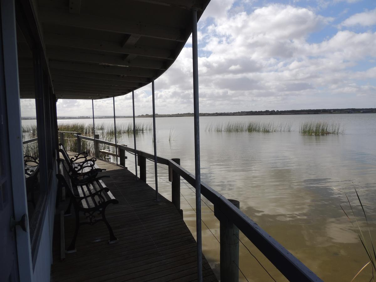 PS Federal Retreat Paddle Steamer Goolwa - Accommodation Resorts