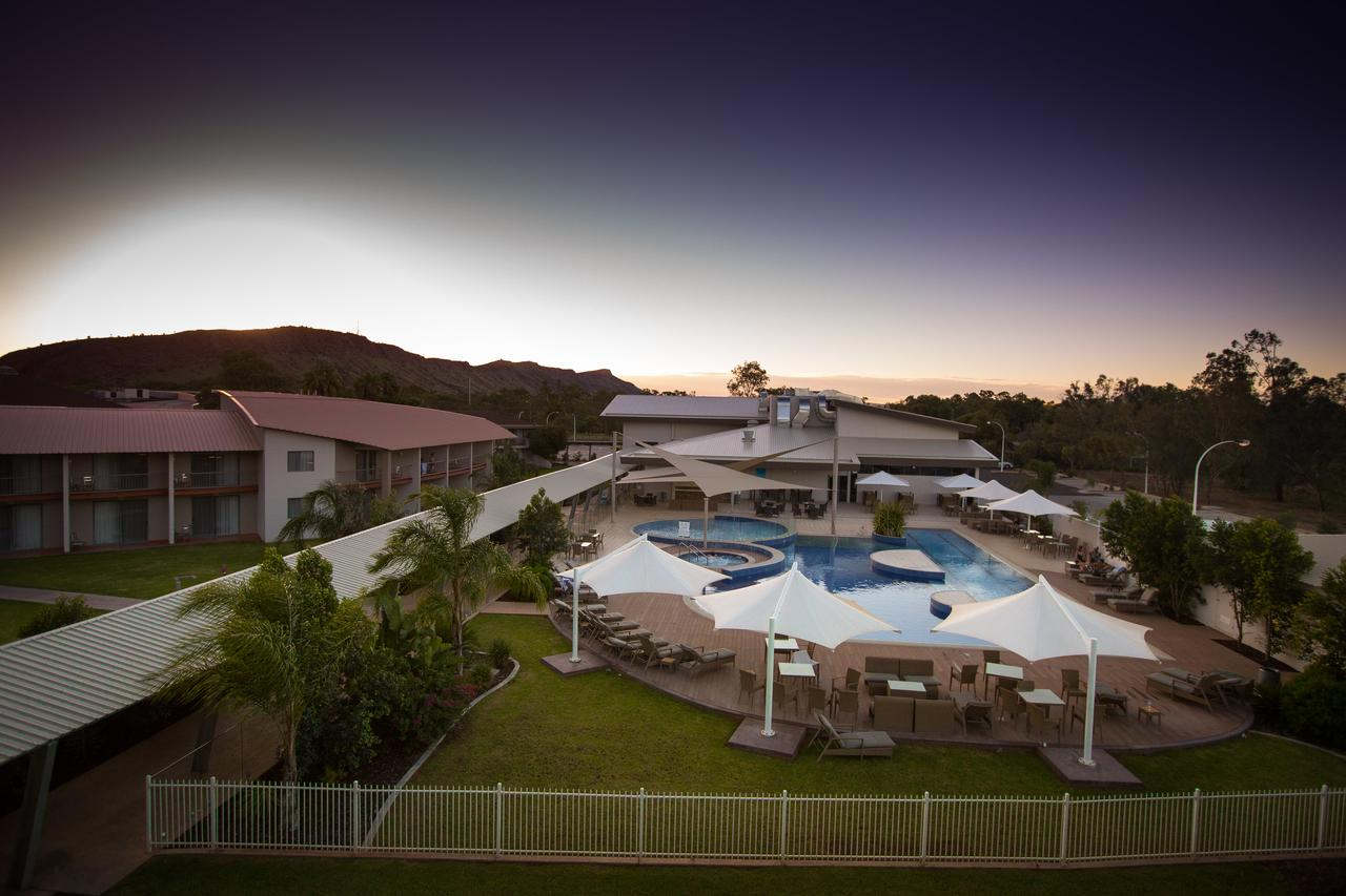 Crowne Plaza Alice Springs Lasseters - Accommodation Resorts