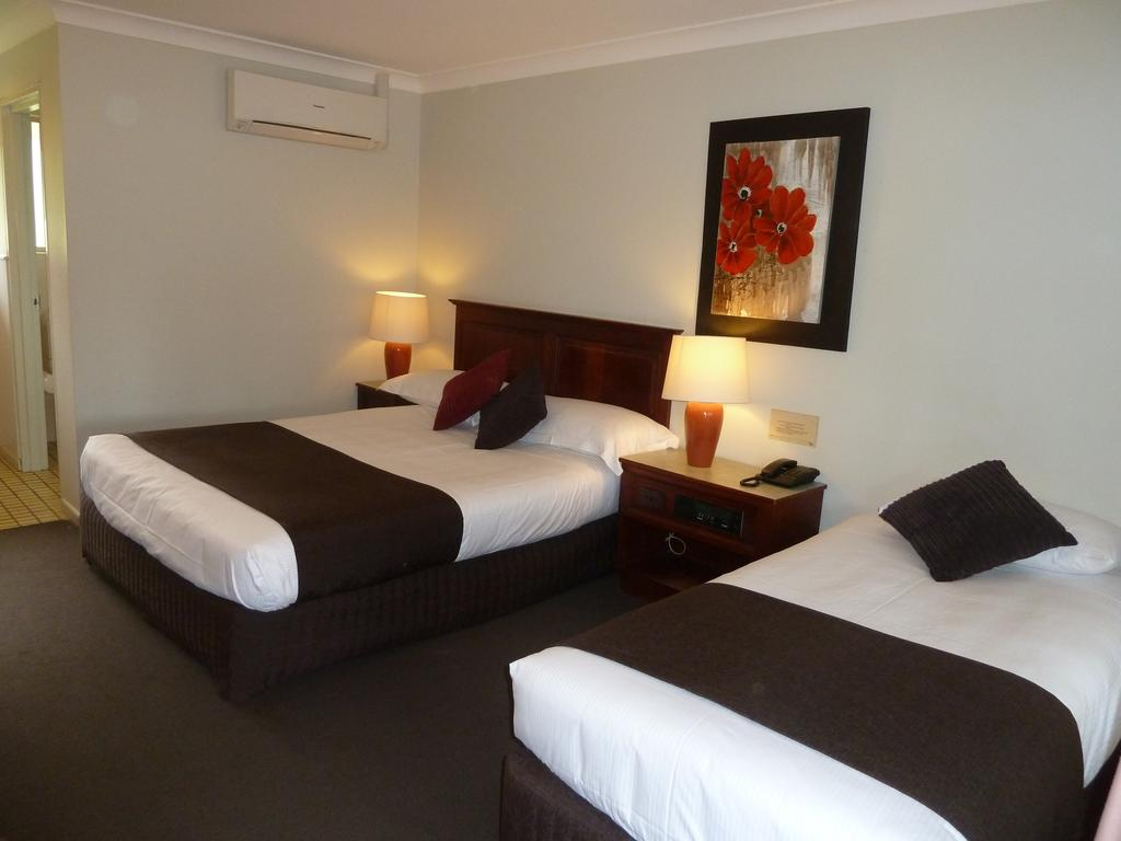 McNevins Warwick Motel - Accommodation Resorts